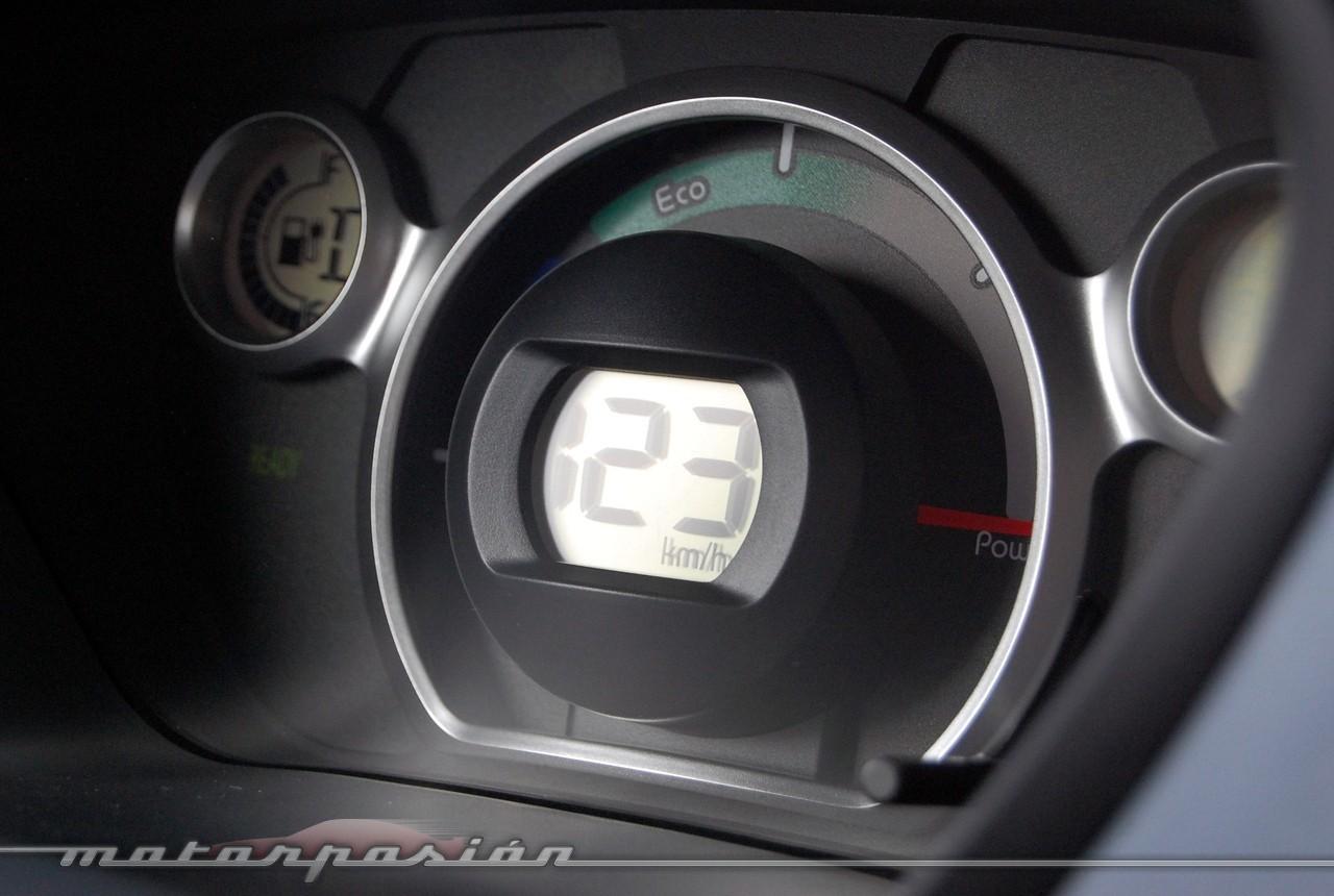 Foto de Peugeot i0n (presentación) (8/50)