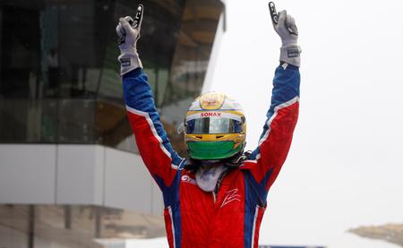 Luiz Razia y Johnny Cecotto Jr probarán con Toro Rosso en Abu Dabi