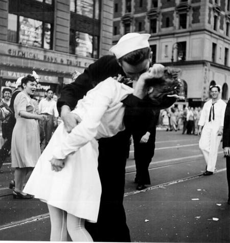 Kissing The War Goodbye 0