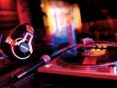 ¿Puede un algoritmo predecir si una canción va a ser un exitazo? En el caso de la música dance, sí