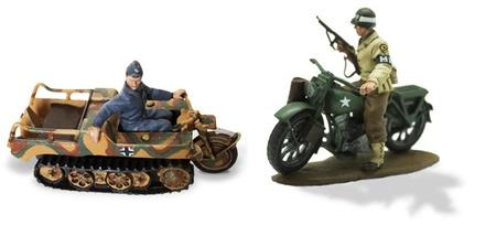 Soldados en Motocicleta