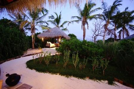 Beach-House-Iruveli-3