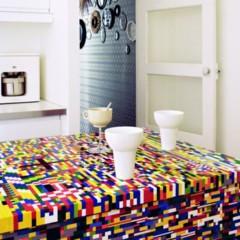 Foto 2 de 3 de la galería una-cocina-de-piezas-de-lego en Decoesfera