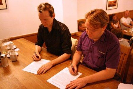 El acuerdo por la inmunidad entre el Partido Pirata sueco y WikiLeaks en manos de los votantes