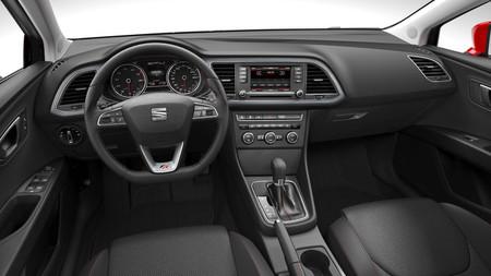 Interior del SEAT León FR