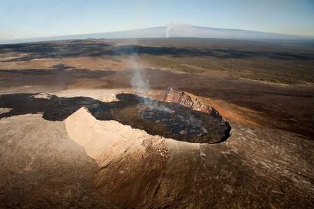 Puu Oo Looking Up Kilauea Edit