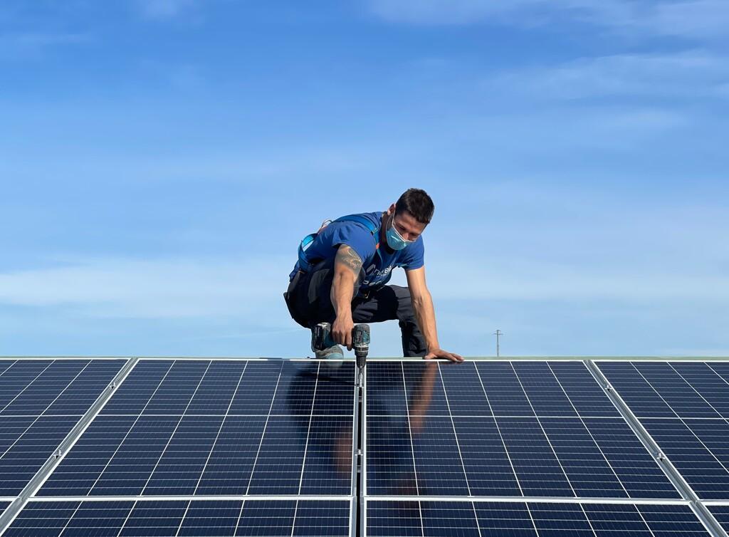 Los paneles solares de IKEA frente a los de la competencia: lo que opinan los expertos