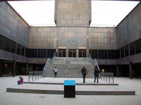 Talleres del Museo del Traje de Madrid. ¡Por los pelos!