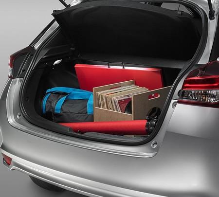 Toyota Yaris Hatchback 2018 9