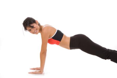 Commando plank: dale movimiento a tus planchas