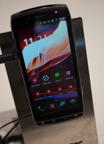Acer Iconia Smart, el larguirucho pasa por nuestras manos