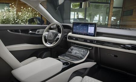 Lincoln Nautilus 2021 1 6
