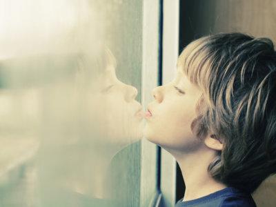 Estos son los tests con los que puedes saber si tu hijo podría tener un trastorno del espectro autista