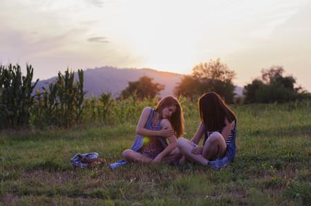 chicas-campo-mosquitos