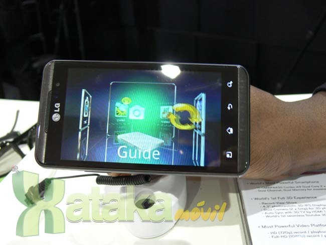 Foto de LG Optimus 3D y LG Optimus Pad en el MWC (10/11)