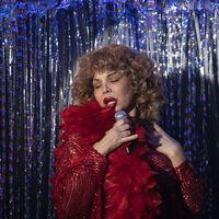 'Veneno' arrasa con su estreno especial en cines y destrona a 'Tenet' en la taquilla española