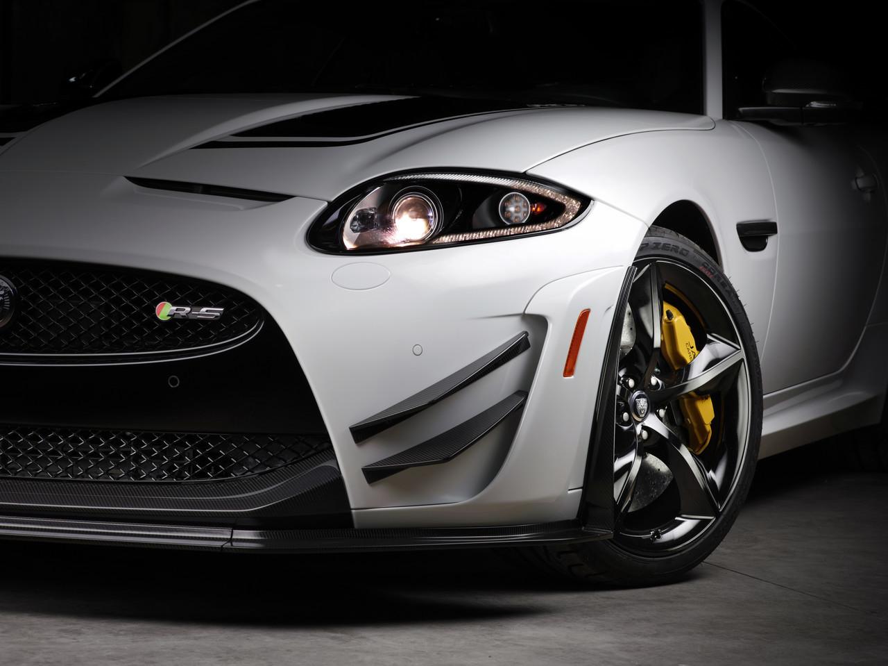Foto de Jaguar XKR-S GT (16/20)