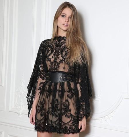 Zuhair Murad pone el broche de oro a la Semana de la Moda de París entre mariposa de encaje