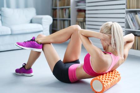 Masaje con foam roller: estos son sus beneficios y así te ayuda a recuperarte después del ejercicio