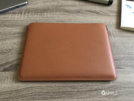 Probamos las nuevas fundas de piel para el MacBook Pro