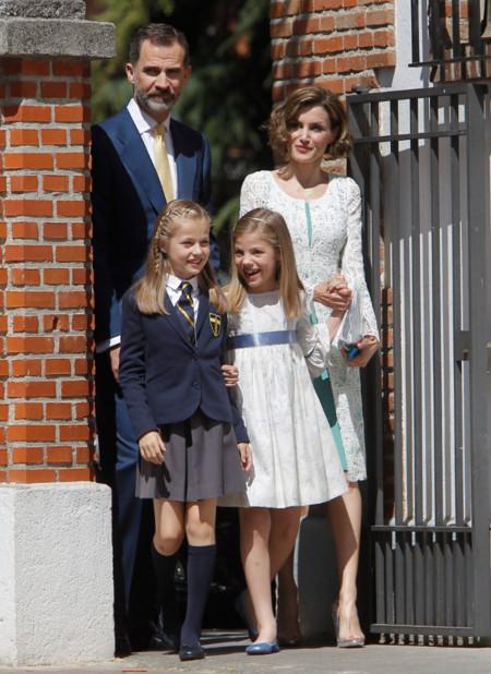 La reina Letizia sorprende con un precioso look en la comunión de la princesa Leonor