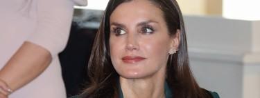 Verde que te quiero verde: el nuevo traje de la reina Letizia que nos encanta como look de oficina