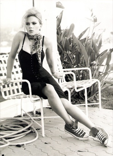 El estilo ladylike de Scarlett Johansson para 2010 en Harper