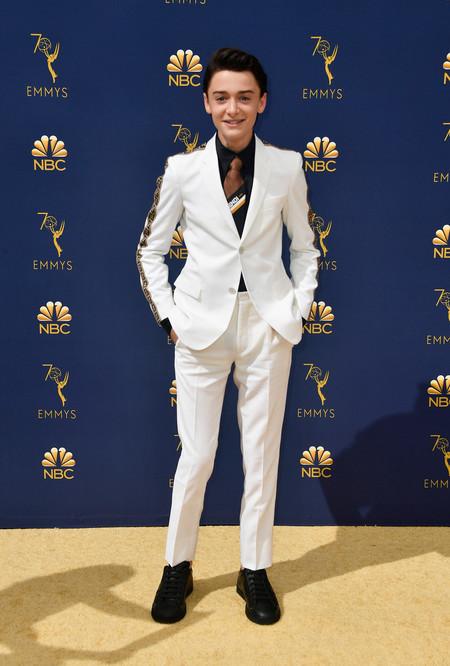 Noah Schnapp Lleva La Logomania De Fendi A La Alfombra Roja De Los Premios Emmy 2