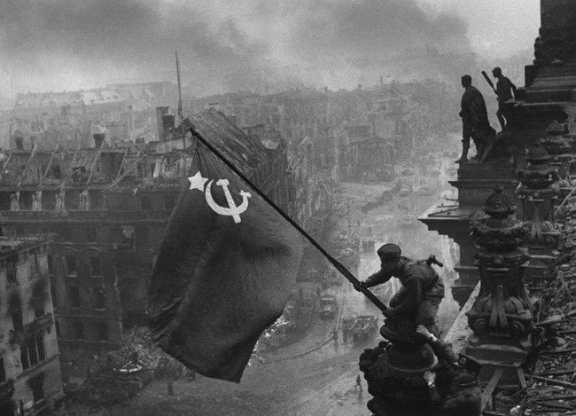 La bandera roja sobre el Reichstag