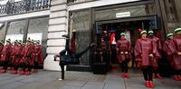Hunter abre nuevo flagship en Londres reproduciendo el aspecto de un granero de la campiña inglesa