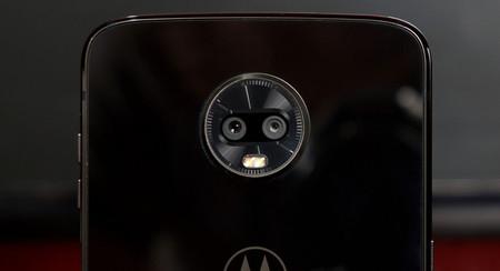 La app de cámara de Motorola añade AR stickers, modo retrato para selfies y más para varios modelos