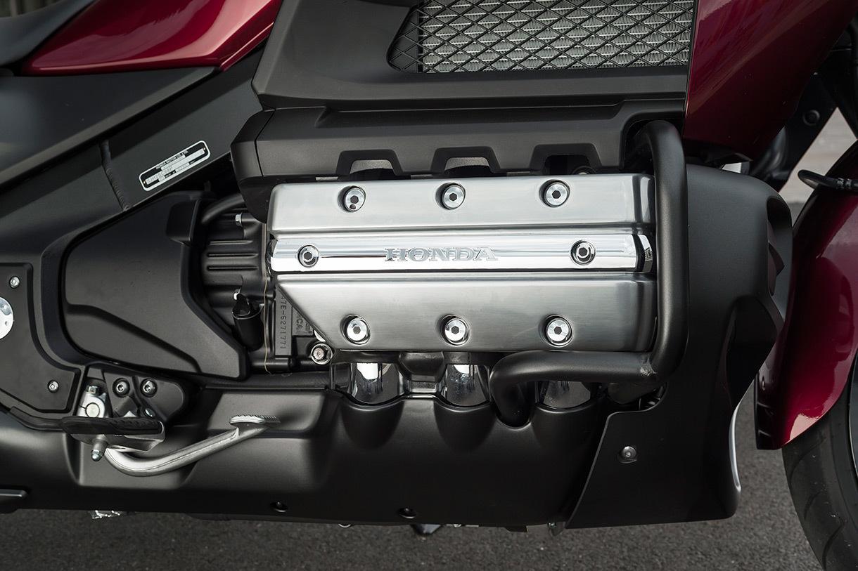 Foto de Honda Gold Wing F6C (25/27)
