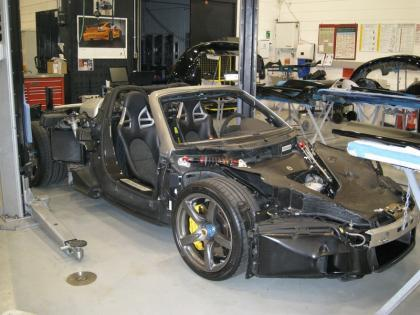 Porsche Carrera GT totalmente desnudo
