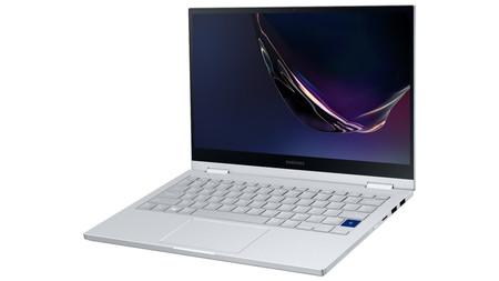 Samsung Galaxy Book Flex α: si no usas la carga inalámbrica ni el S Pen y la carga inalámbrica, esta versión se pone más a tiro