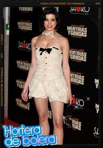 Aroa Gimeno con un mini vestido incomprensible para el Hortera de Bolera
