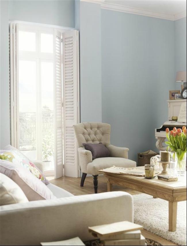 Aprovechas las vacaciones para pintar adel ntate a las for Pintura pared gris azulado