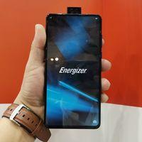 Este no es un smartphone con gran batería, es una gran batería con smartphone