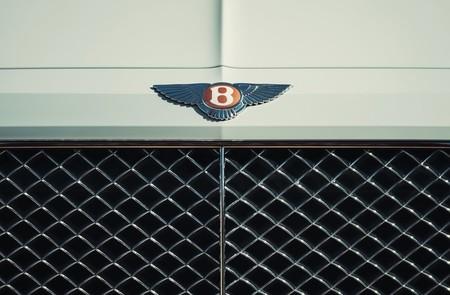 Bentley Bentayga Hybrid 2019 1280 44