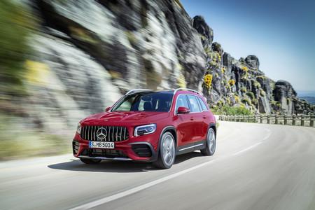 Mercedes-AMG GLB 35: El poder de un hot hatch en el nuevo SUV compacto de la marca
