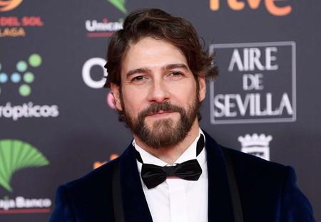 Félix Gómez propone un tuxedo en azul como su look para los Premios Goya 2020