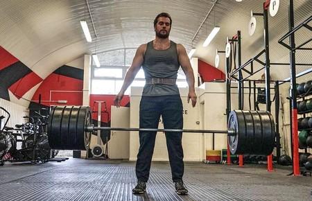 """Henry Cavill seguirá siendo Superman, y así fue su entrenamiento para convertirse en """"el hombre de acero"""""""