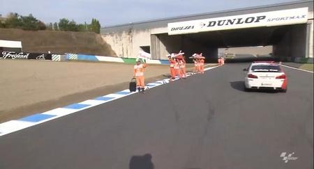 MotoGP Japón 2012: una vuelta al Twin Ring Motegi viendo sus peculiares comisarios