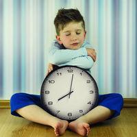 Llega el horario de verano: cómo afecta el cambio de hora a los niños y qué podemos hacer para ayudarles