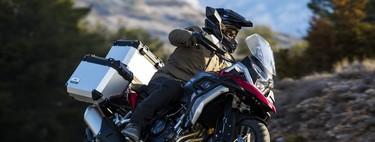 La Macbor Montana XR5 quiere su hueco entre las motos trail para el carnet A2 con 47 CV y bien equipada, por 6.499 euros