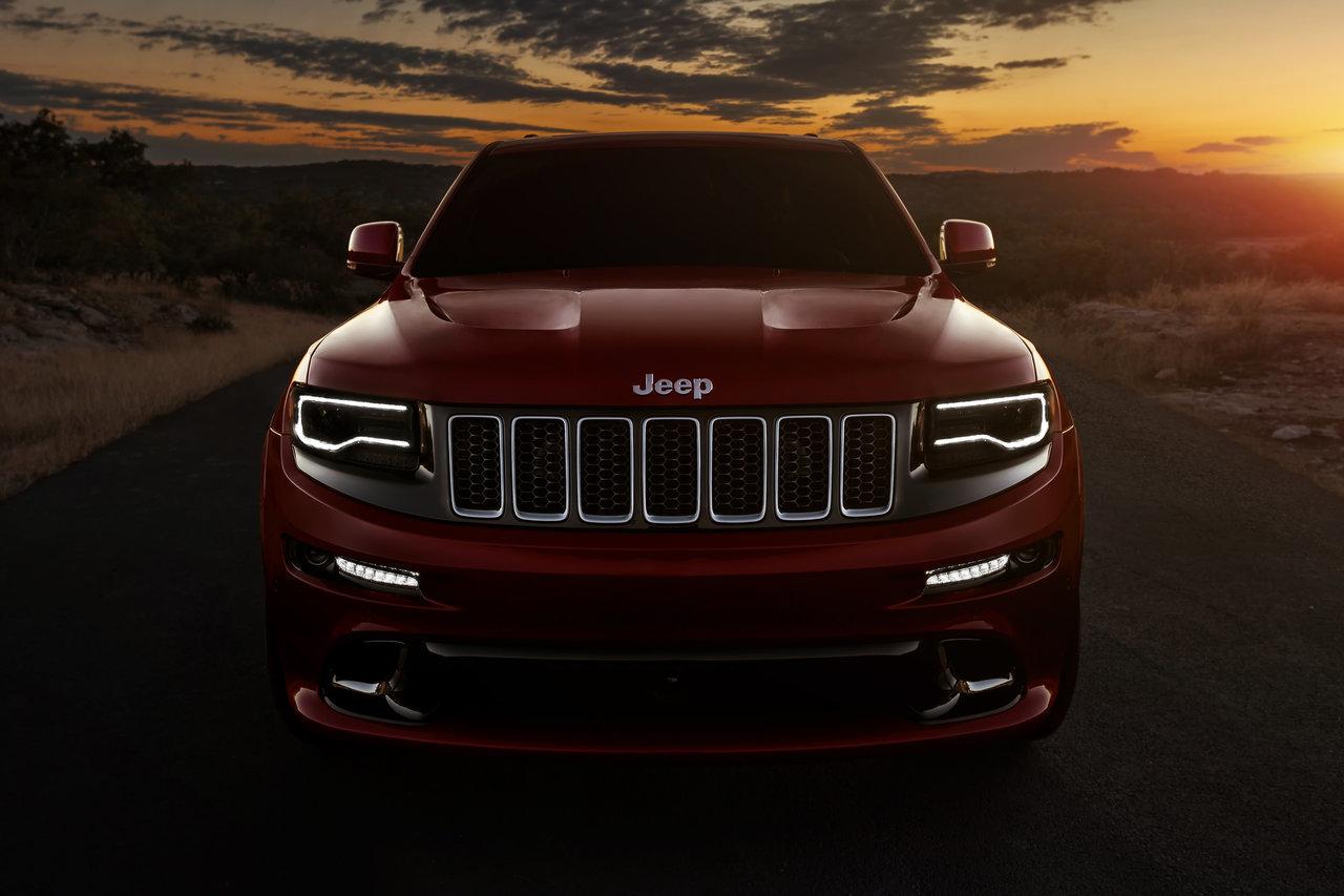 Foto de 2014 Jeep Grand Cherokee SRT (3/41)