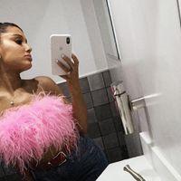 Ariana Grande está dando pistas de cómo va a ser su próximo trabajo y está lleno de referencias dosmileras