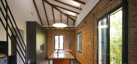 Una original cocina con muchos secretos inspirada en un loft neoyorquino, ¿te atreves?