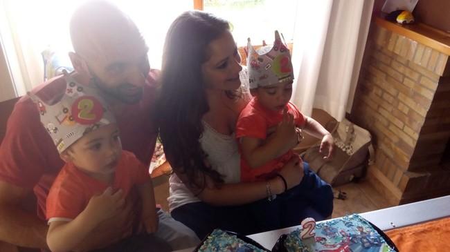 Ser padres mediante gestación subrogada: la historia real de Maite, Oriol y sus gemelos