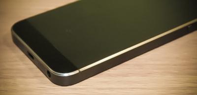 Solución contra los arañazos en el iPhone 5, pulir los bordes. ¿Demasiado radical?