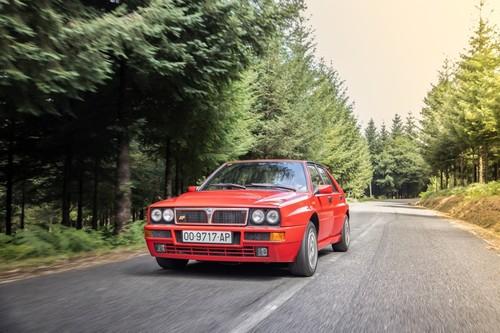 Probamos el Lancia Delta HF Integrale y repasamos la historia del mejor coche de rallyes jamás conocido
